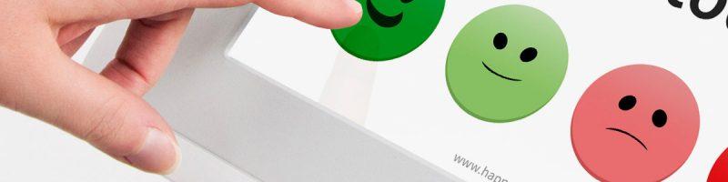 Pellicola su schermo con smile per feedback antibatterici e anti-covid